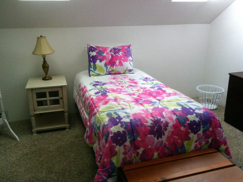 Leah's Homestay in Hoquiam - Lady's Only, holiday rental in Hoquiam