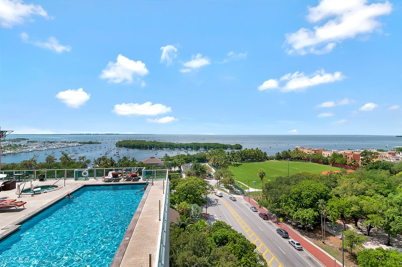 3 BED CONDO AT SONESTA COCONUT GROVE HOTEL-RENT FROM OWNER DIRECT AND SAVE!!, alquiler de vacaciones en Coral Gables