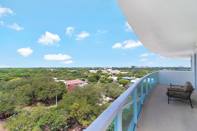 Beaucoup d'espace de balcon pour vivre en plein air