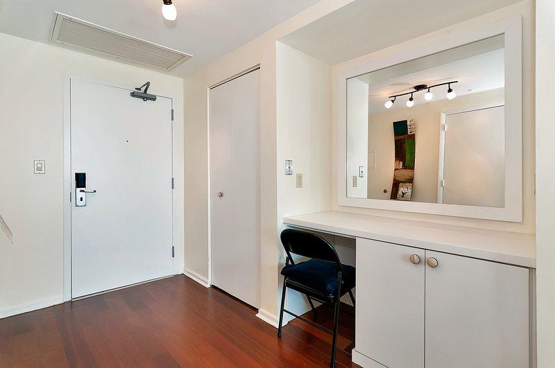 coin salon séparé avec réfrigérateur 3ème chambre