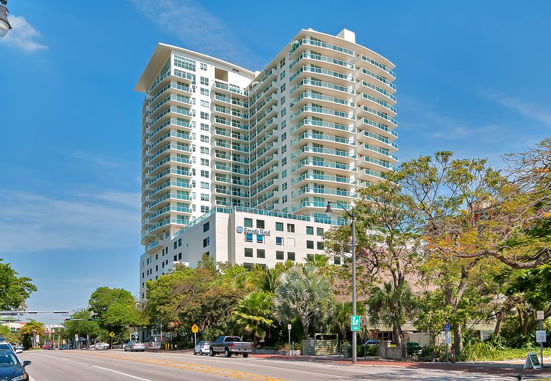 Street view of the Sonesta Coconut Grove Hotel