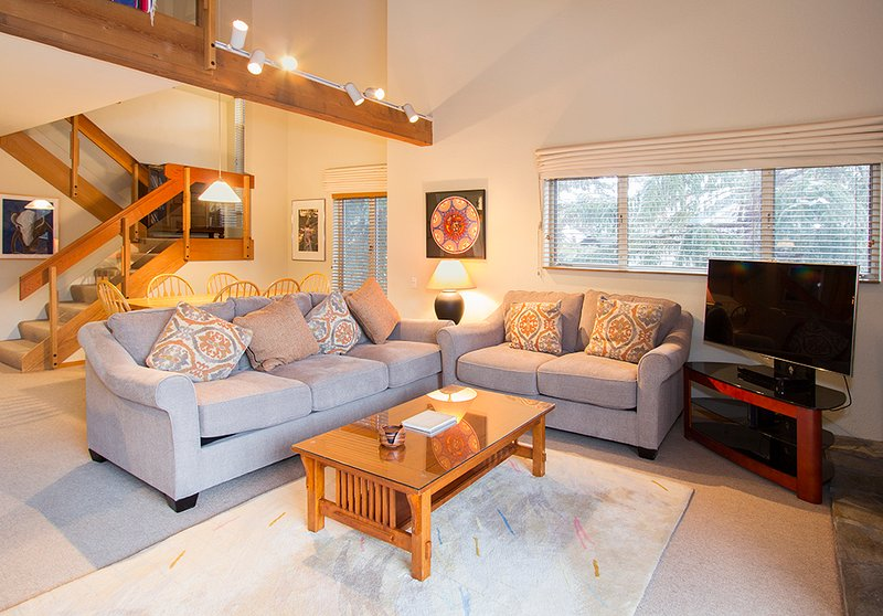 Snowcreek #630 (Phase 4) - Living room with TV