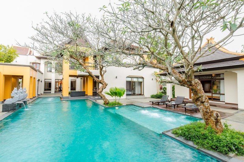 The signature villa pattaya, holiday rental in Ban Huai Yai
