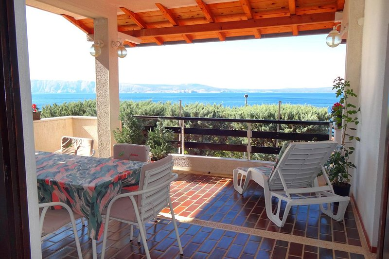 Klenovica Apartment Sleeps 2 with Pool and Air Con - 5464504, vacation rental in Klenovica