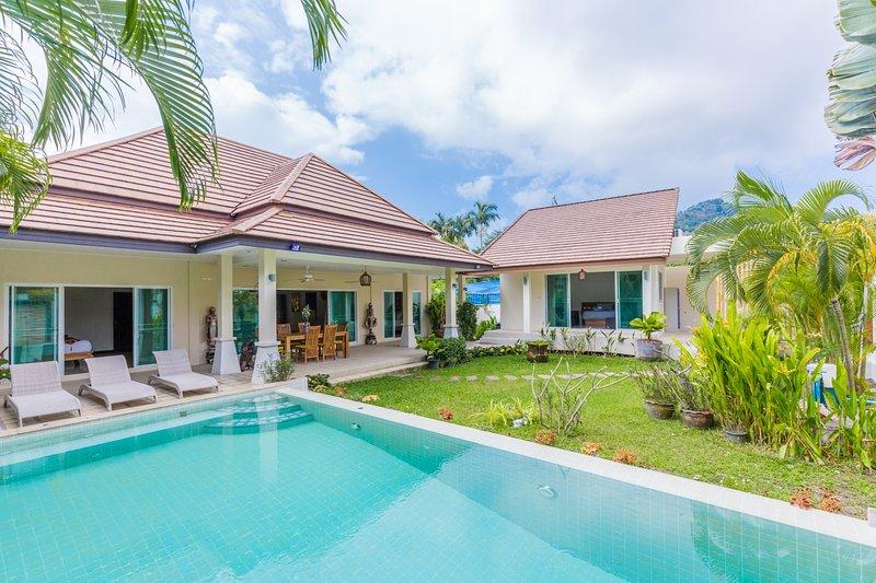 4 avis et 39 photos pour PACOTTE- modern luxurious villa ...