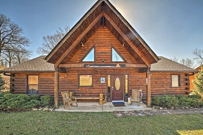 Ridgedale välkomnar dig till denna underbara 3-sovrum, 2-bad semester hyra stuga!