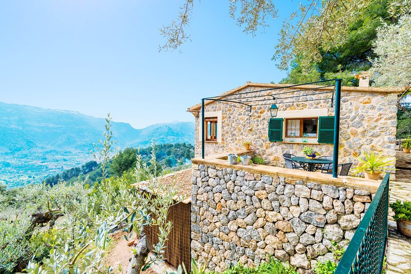 S'OLIVARET (FORNALUTX) - Chalet for 4 people in Fornalutx, holiday rental in Sa Calobra