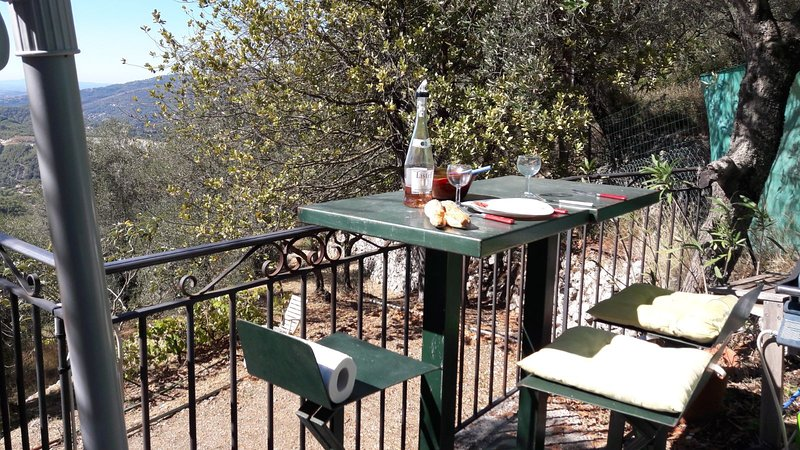 Nice house with sea view & terrace, vacation rental in Peille