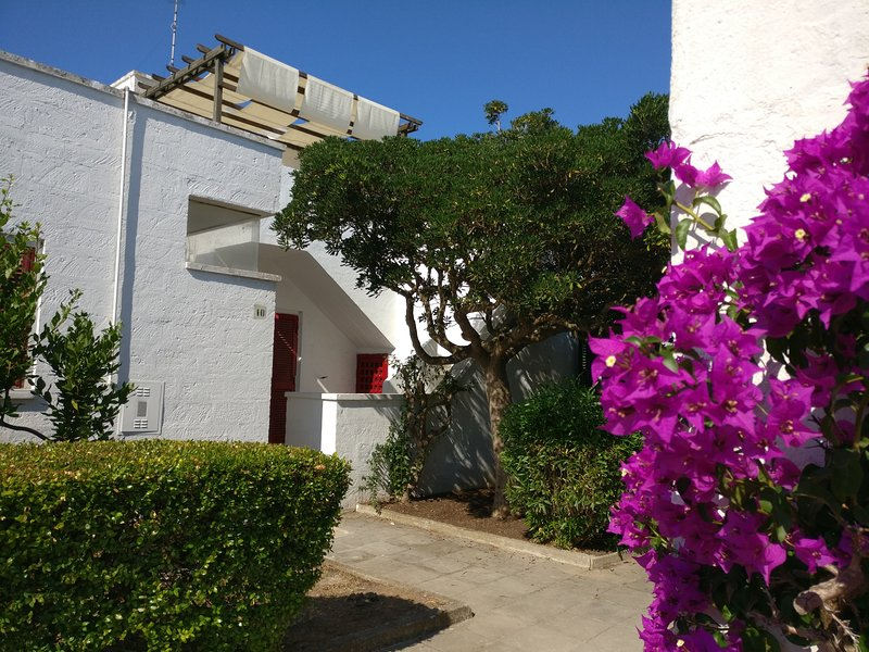 Monolocale Azzurra in villaggio turistico Conca Specchiulla (Otranto), location de vacances à Frassanito