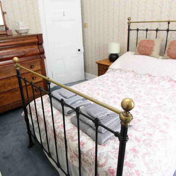 Chambre 4 est une plus petite chambre double au premier étage