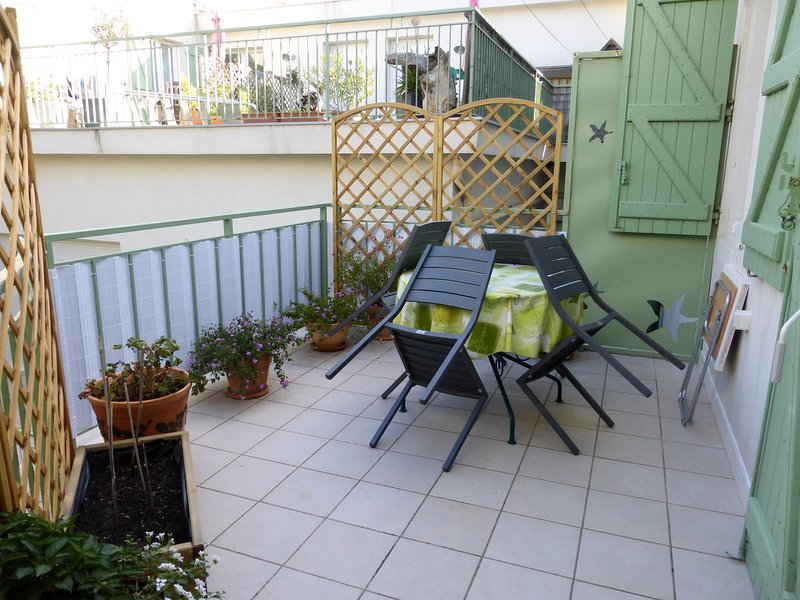 Amazing apartment with shared pool, holiday rental in La Tamarissiere