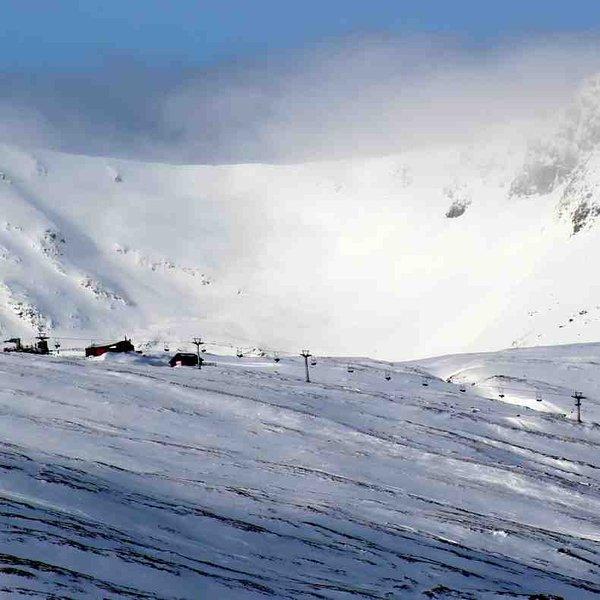 In winter the Glencoe Ski Centre is nearby