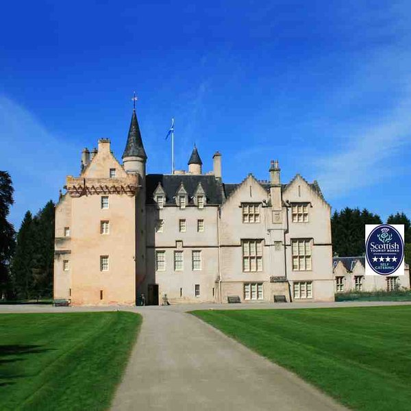 On offer is this Visit Scotland 4 star rated castle apartment