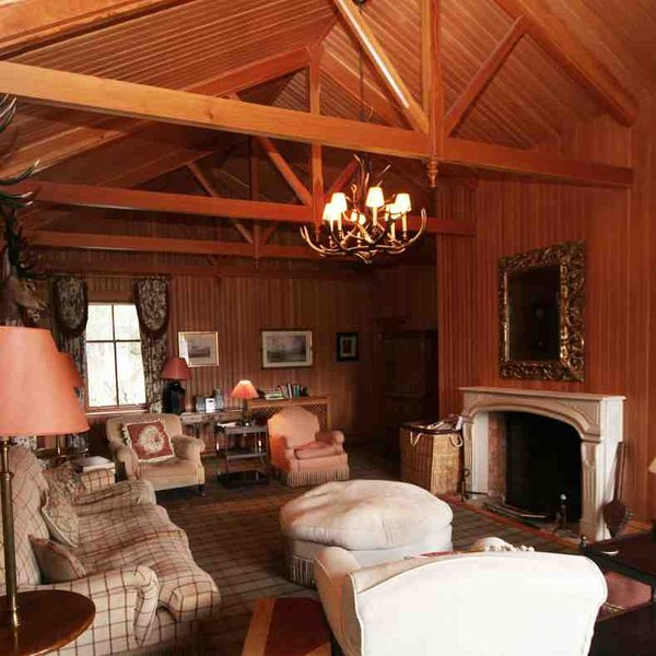 The living area is a classic lodge set-up