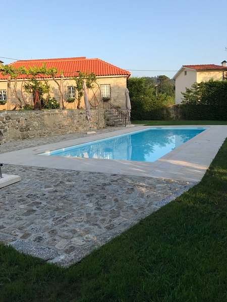 Nice house with pool access & Wifi, holiday rental in Barcelos