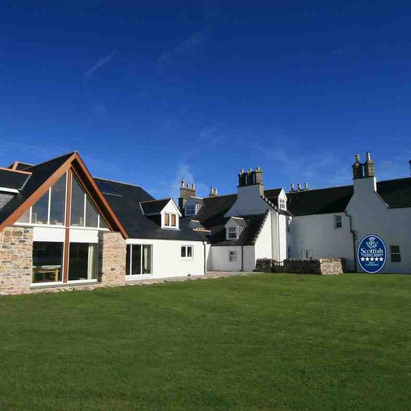 This outstanding lodge has a 5 star rating from Visit Scotland