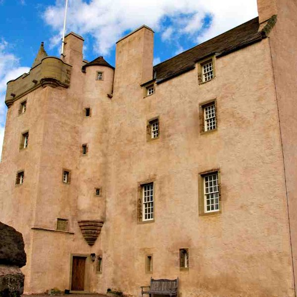 Welcome to this majestic castle in East Lothian