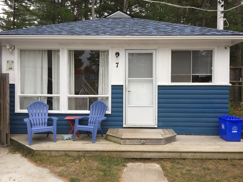 Wu Wu's Cabins, Air Conditioned, 2 bedroom Cabins, Wasaga Beach, alquiler de vacaciones en Stayner