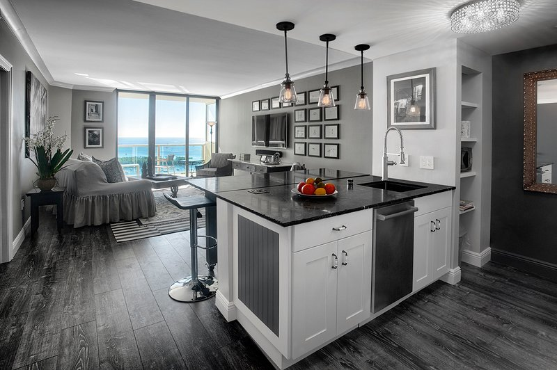 Beautifully renovated and decorated, 760 sq. ft. condo with bay view from the moment you step in.