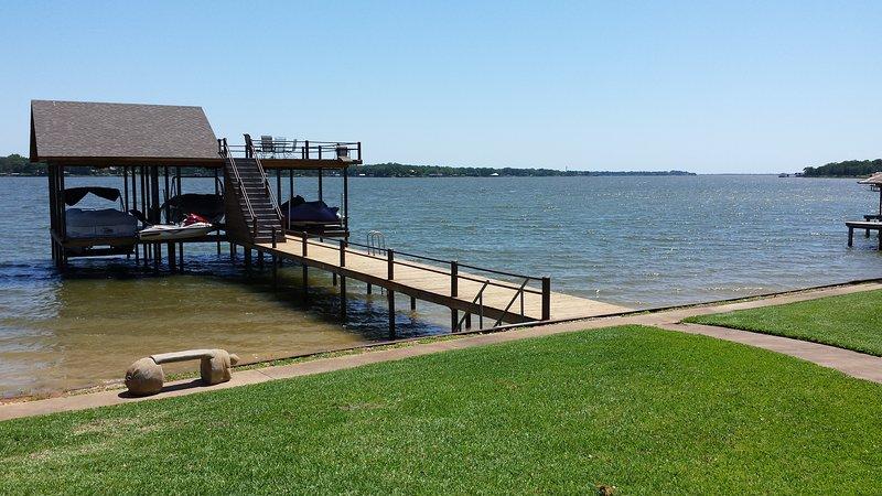Cedar Creek Hideaway Retreat!, holiday rental in Eustace