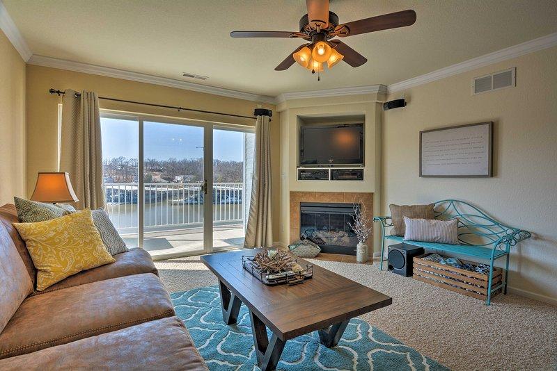 Unwind in this 3-bedroom, 2-bathroom vacation rental condo in Osage Beach.