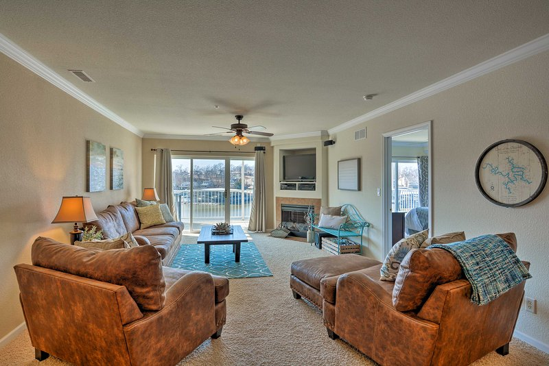 Lakefront Osage Beach Condo w/ Pool & Water Views!, holiday rental in Lake of the Ozarks