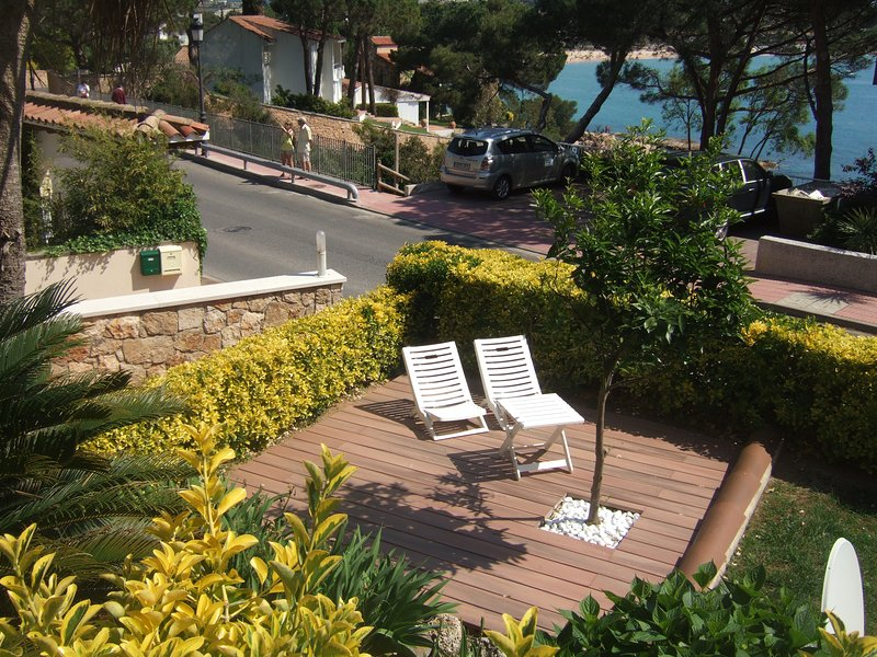 Amazing apt with sea view & terrace, aluguéis de temporada em Sant Feliu de Guixols