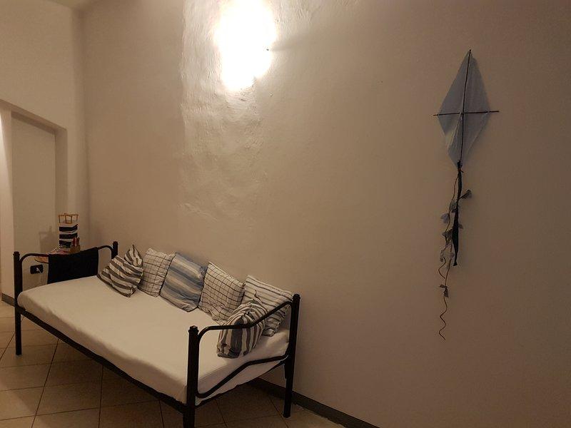 A casa di Sole 1, vacation rental in Brovello-Carpugnino