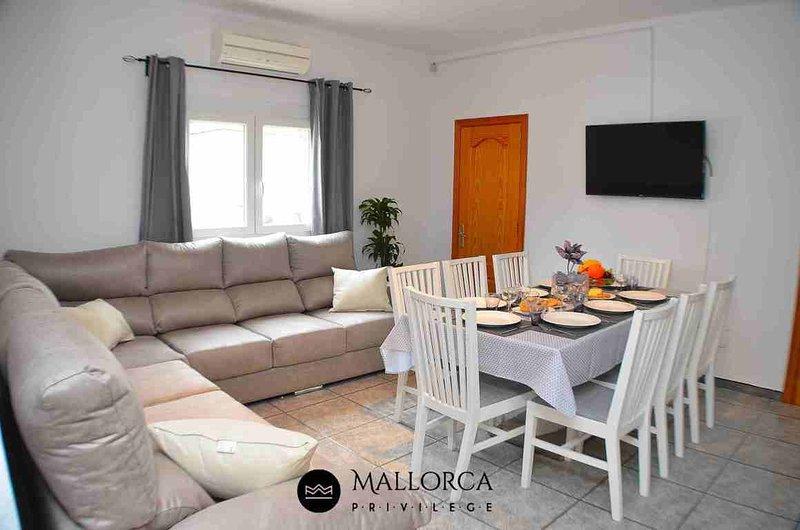 Casa Costa d'en Blau 8Pax-Ideal Family, vacation rental in Cala Mandia