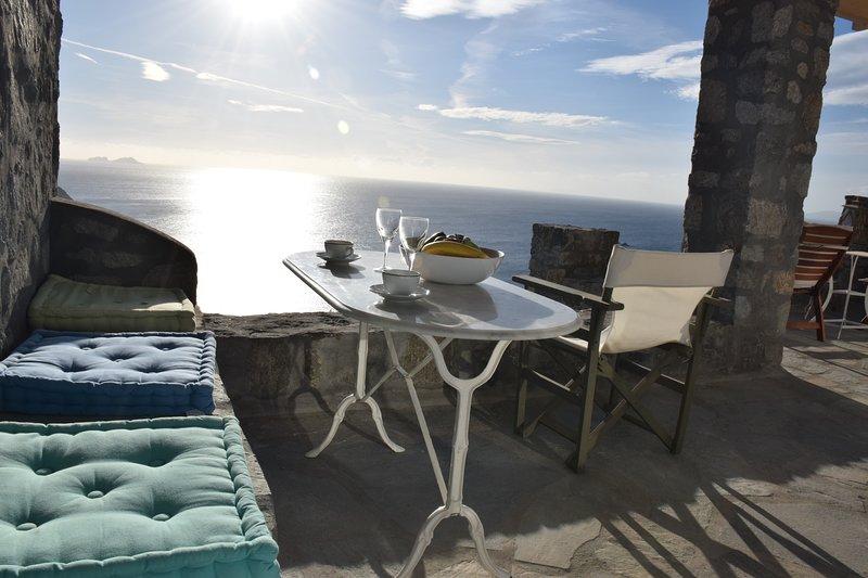 ANDROMEDA MYKONOS VILLAS-QUEEN SUITE, casa vacanza a Agios Sostis