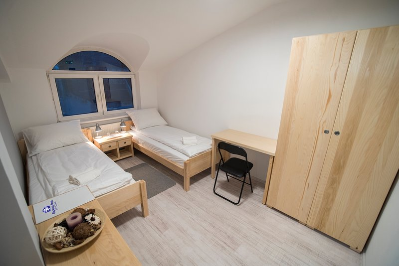 Bloom Inn Hotel - Twin Room, vacation rental in Nis