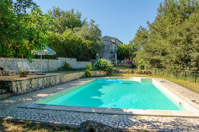 House with private pool, 1 km from village Giove, vacation rental in Penna in Teverina