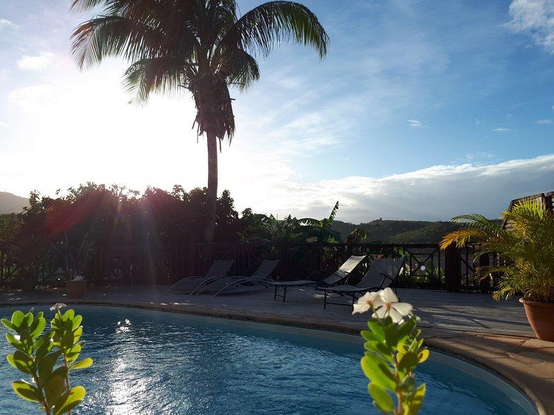 la piscine..pour descansar después de un día en la playa o visita