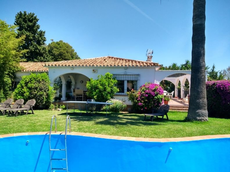 Villa In Benalmadena With Private Pool And Garden