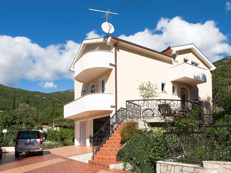 Villa Stream, holiday rental in Herceg-Novi Municipality