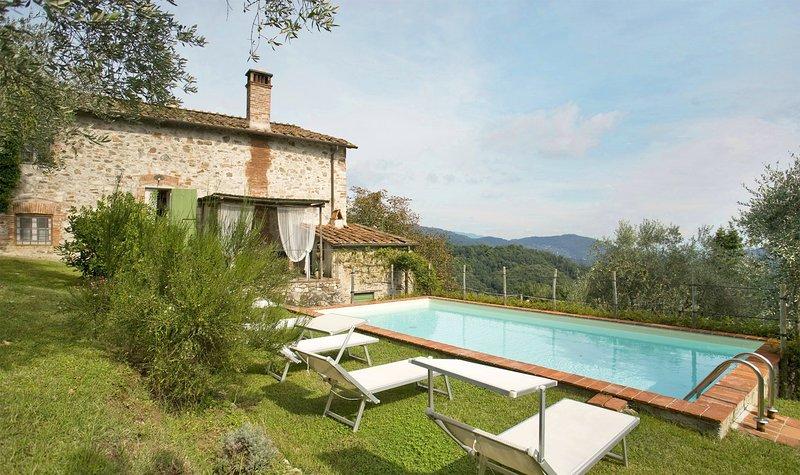 Stignano Villa Sleeps 6 with Pool and WiFi - 5695987, holiday rental in Stignano