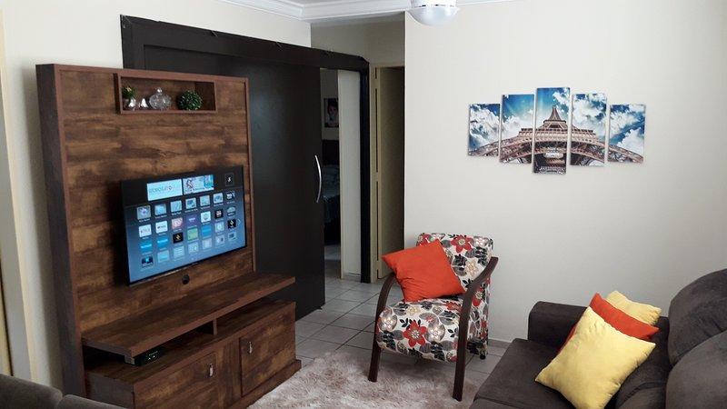 Apartamento 3 quartos confortável Wi Fi perto Praia Clube e centro Uberlândia, vacation rental in Uberlandia