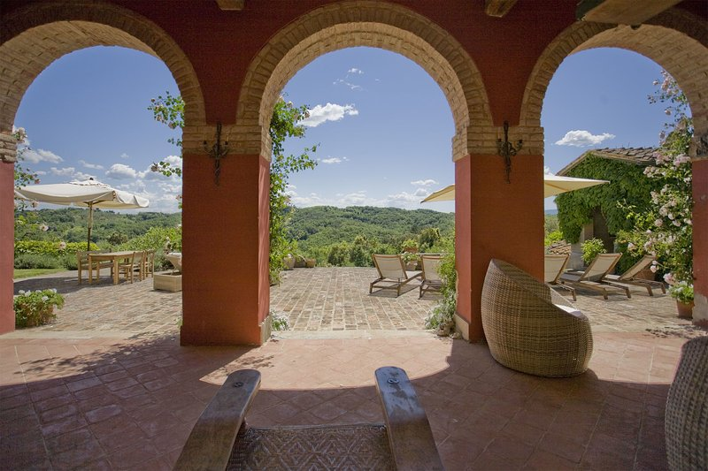 Colleoli Villa Sleeps 8 with Pool Air Con and WiFi - 5696065, holiday rental in Montechiari