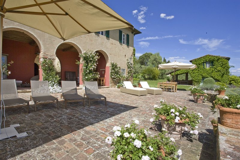 Colleoli Villa Sleeps 12 with Pool Air Con and WiFi - 5696069, vacation rental in Capannoli