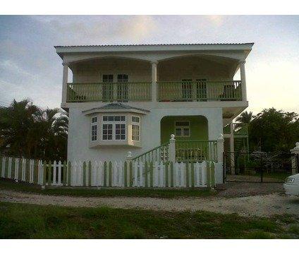 GOLFVIEW HOUSE near to Golf Course and Oistins, location de vacances à Saint George Parish