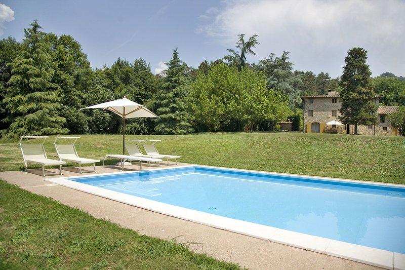 Santo Stefano Villa Sleeps 10 with Pool and WiFi - 5696020, vacation rental in San Martino in Freddana