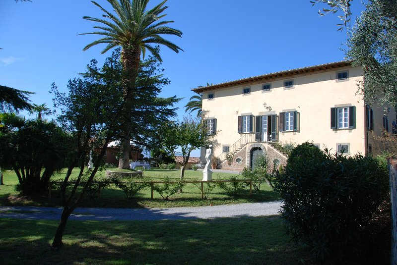 San Gennaro I Villa Sleeps 12 with Pool - 5696001, holiday rental in Borgo a Buggiano