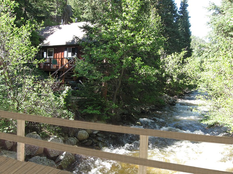 Inglenook Charming cabin on the river