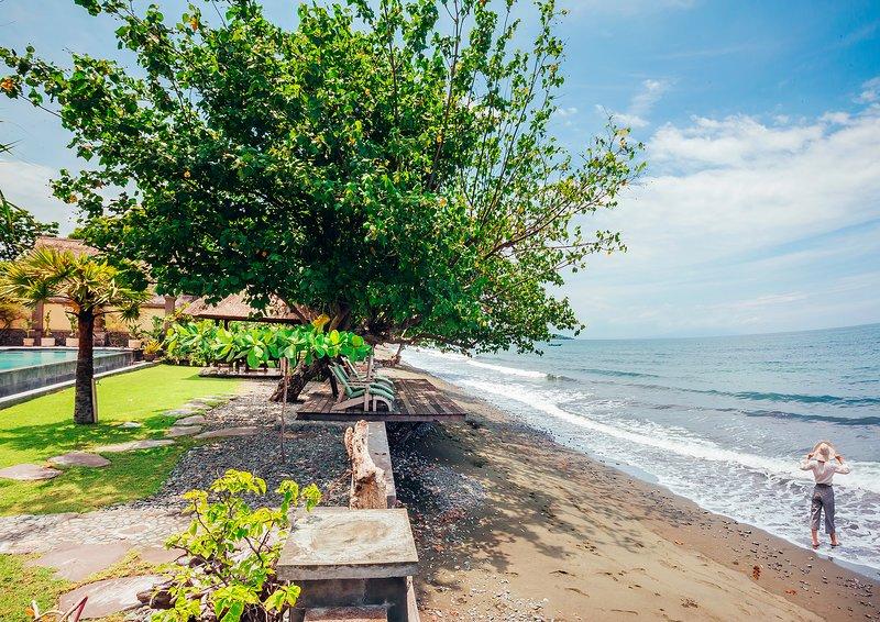 Coral vrij zee aan de voorkant van de villa, perfect om te zwemmen