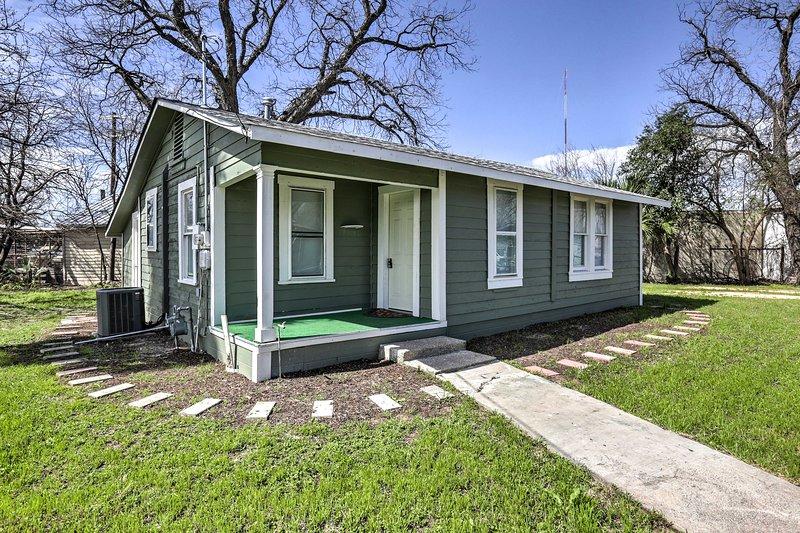 Retreat à San Antonio à cette location de vacances à la maison!