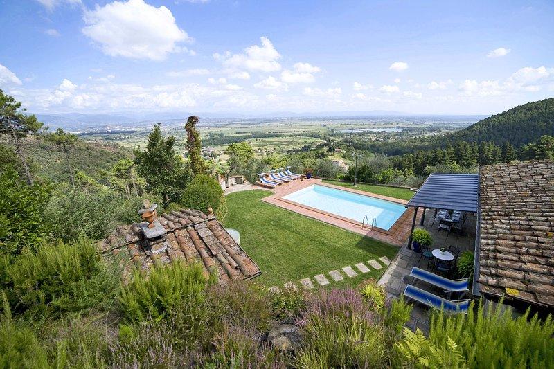 Colle di Compito Villa Sleeps 8 with Pool - 5695982, vacation rental in Colle di Compito