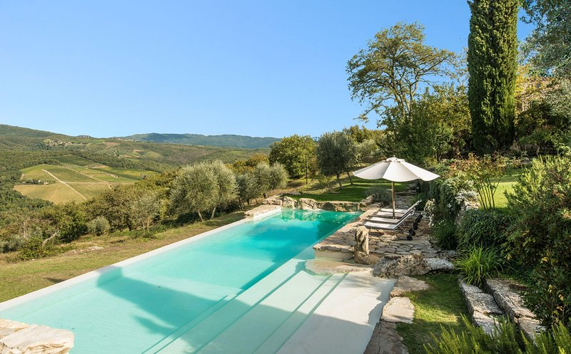 Lucarelli Villa Sleeps 10 with Pool and WiFi - 5695985, holiday rental in Lucarelli