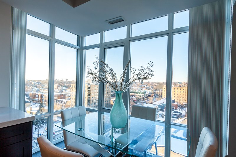 Stunning 3 Bedroom Condo Downtown Toronto Has Terrace and ...