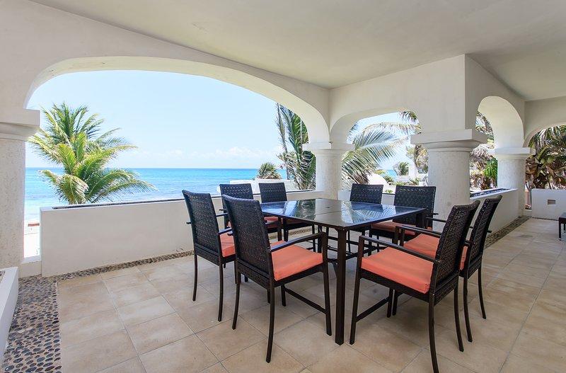 SUNLIGTH 3 BR CONDO SEA VIEW AND BIG TERRACE!, location de vacances à Playa Paraiso