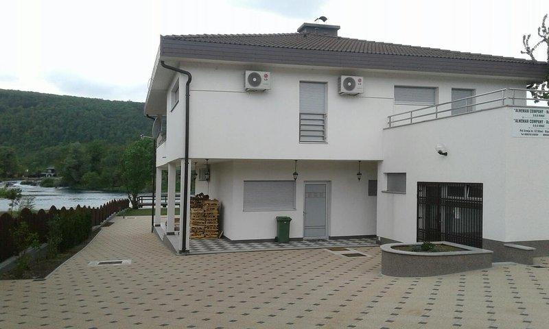 VILLA AL NEMAH, holiday rental in Bosanska Krupa